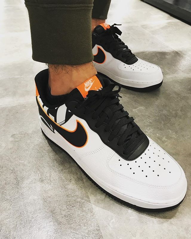 .<br /> こんにちは☻<br /> ABC-MART SPORTSキャナルシティ店です!<br /> AIR FORCE 1&#039;07 LV8から新しい顔ぶれが登場!!<br /> .<br /> NIKE<br /> AIR FORCE 1&#039;07 LV8<br /> 823511-104<br /> ¥12,000+TAX<br /> .<br /> インパクトのあるオレンジカラーで足元を華やかにしてみては?!<br /> .