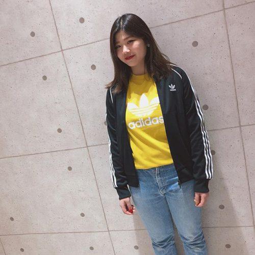 . こんにちは ABC-MART SPORTS LECT店です❣️ . 本日はadidasから春の新作ウェアをご紹介します . 定番モデルから今季のトレンドカラー'yellow'が入荷いたしました! 夏はこれ一枚でサラッと着れます . 是非店頭にてご試着してみてください . ◇adidasウェア cw0706 M TREFOIL TEE ¥3,990+tax .