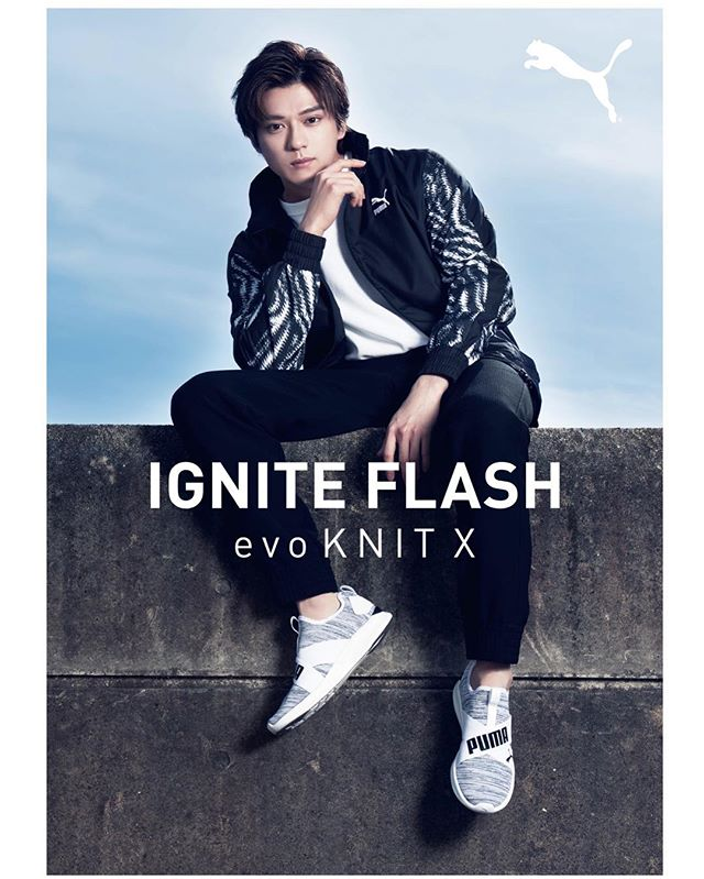 \新田真剣佑さん出演新TVCM「PUMA IGNITE Flash evoKNIT X」/<br /> 驚異のリバウンドパワーとクッション性を発揮するソールと、快適なフィット感をもたらすニットアッパー、やわらかなインソールを採用した最新のシューズです。<br /> 「X」を大きく、印象的に取り入れた高いデザイン性は、その機能性に裏打ちされたスポーツシーンでの活用はもちろん、ストリート感覚のコーディネートと合わせて、普段使いでも活躍することは間違いありません。カラーバリエーションも豊富な本商品は、性別問わず、1足は手にしておきたい逸品です。<br /> .<br /> @mackenyu.1116