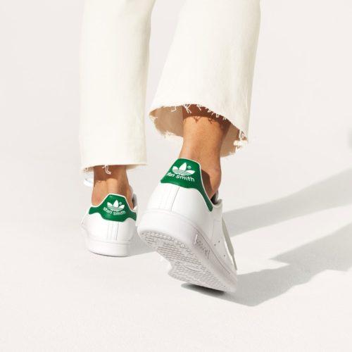 対象の¥9,500(税込)以上のSTAN SMITH商品をご購入いただいたお客様に サステナブル素材のエコバッグをプレゼント! (無くなり次第終了となります。) Stan Smith FOREVER スタンスミスは、サステナブルへ。 スタイルとサステナビリティを融合した、adidas Originals x Disneyが贈るスタンスミスコレクション。 スタンスミスは 誕生当初から変わらないお馴染みのシルエットはそのままに、 リサイクル素材を50%使ったPRIMEGREENアッパーを持つサステナブルなライフスタイルウェアに。 @adidasoriginals https://gs.abc-mart.net/feature/7579/